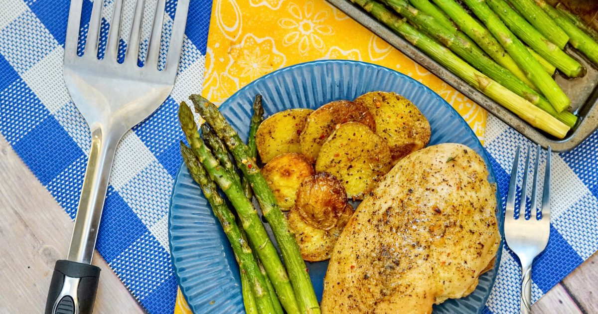 sheet pan italian chicken recipe dished up on blue plate
